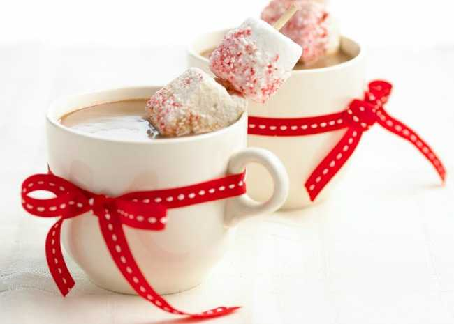 Peppermint Hot Chocolate Toddy