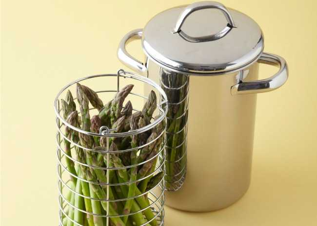 101406161-asparagus-steamer-photo-by-meredith-650x465