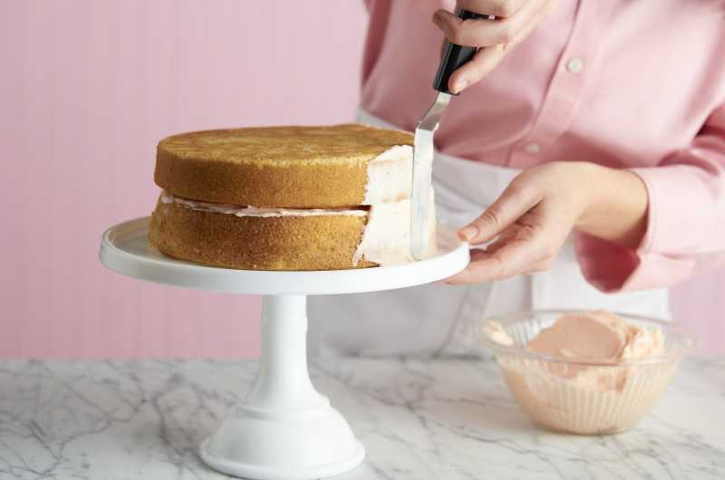 Frosting Cake on a Stand with Offset Spatula
