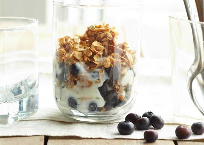 Fruit and Cereal Yogurt Parfait