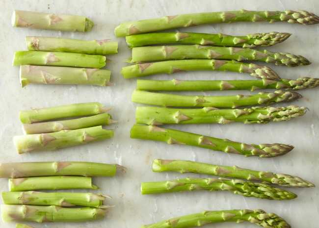 102050862-trimmed-asparagus-photo-by-meredith-650x465