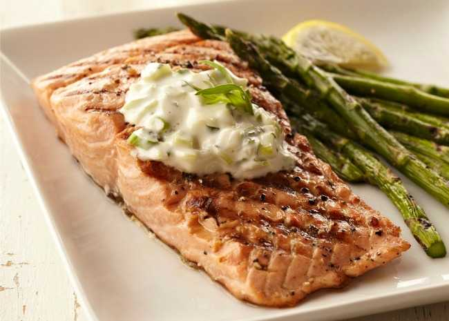 Grilled Salmon with Simple Sauce
