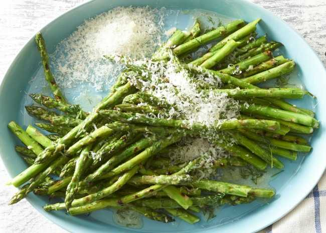 102180744-grilled-asparagus-photo-by-meredith-650x465