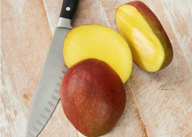 Mango and cut mango