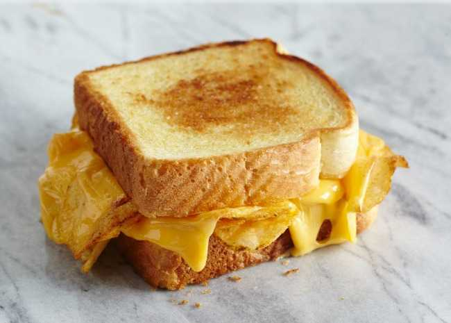 Texas Toast Grilled Cheese with Potato Chips