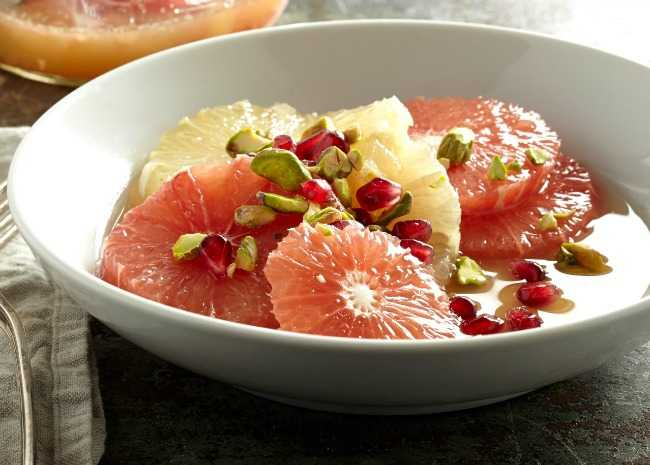 Citrus salad with pistachios