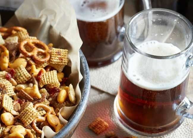 Beer and Thanksgiving Snack Mix