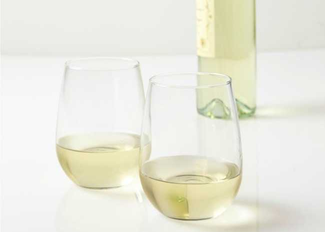 Two glasses of Sauvignon Blanc