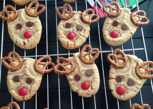 reindeer cookies - Christmas Cookie Decorating Tips