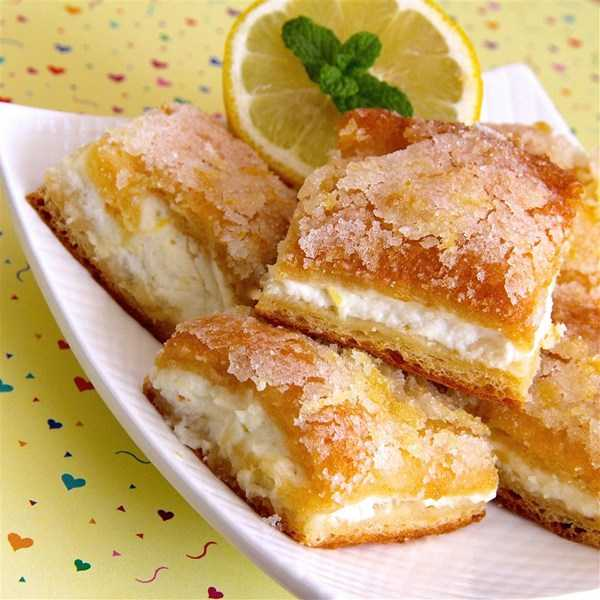 1133810 lemon cream cheese bars for social post photo by lutzflcat