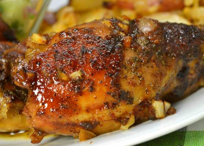 Honey Garlic Slow Cooker Chicken Thighs
