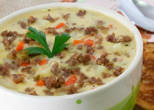 1594601_cheeseburger-soup-photo-by-kgora-resize