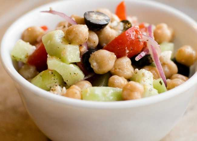 Greek Garbonzo Bean Salad