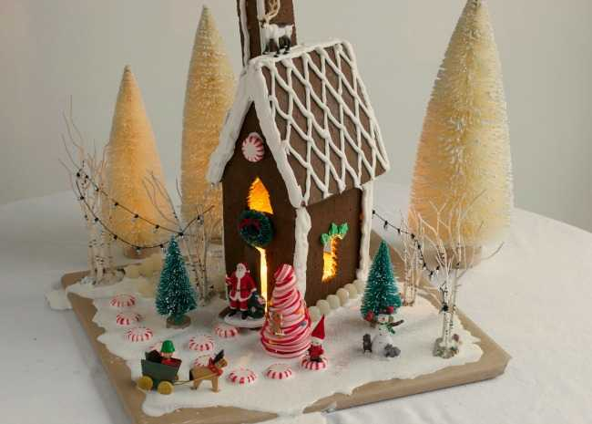 gingerbread house - Gingerbread House Christmas Decorations