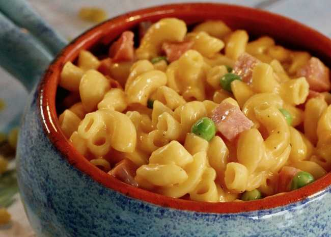 Instant Pot Mac and Cheese with Ham and Peas