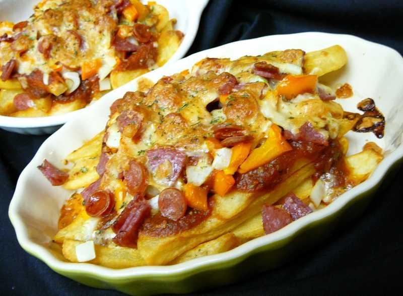 Jan's Loaded Pizza Fries