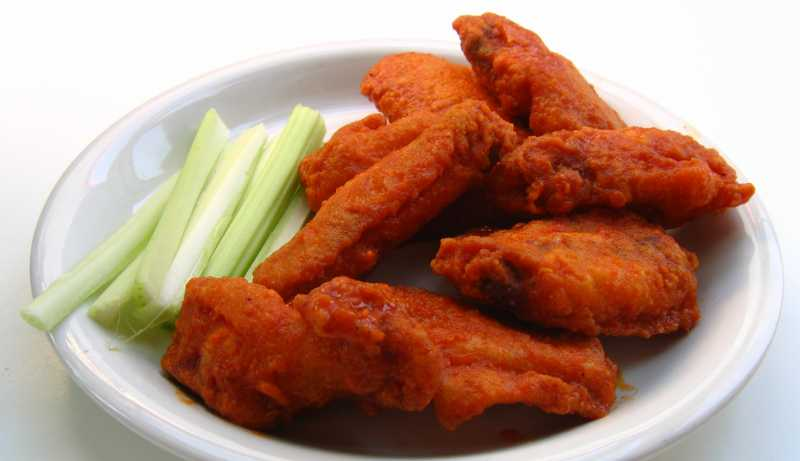Jun 09,  · Heat oil in a deep-fryer to degrees F (the oil should be just enough to cover the wings completely, about /2-inches or more). Fry the flour-coated wings in hot oil for about minutes or until parts of the wings begin to turn brown.5/5(1).