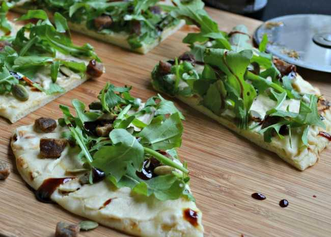 Arugula and Hummus Pizza