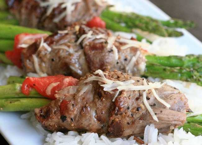 Grilled Asparagus Steak Bundles