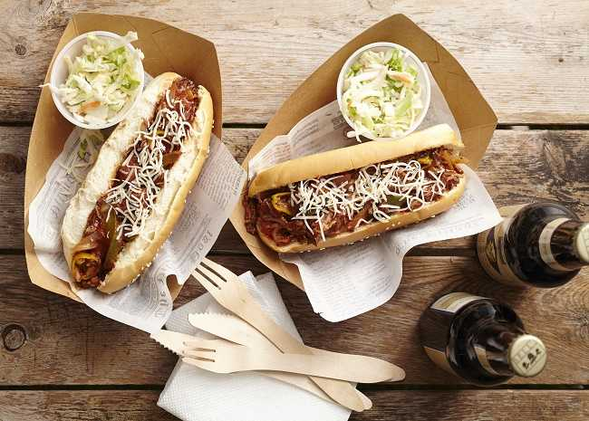 650-x-465-102386400-chili-dogs-photo-by-meredith