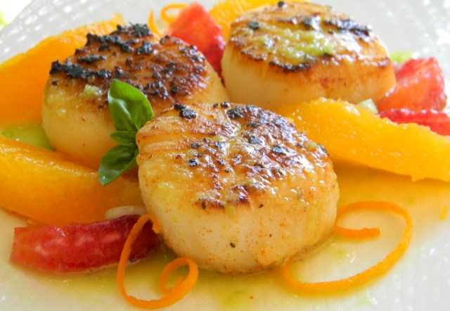 839057_Seared Scallops with Jalapeno Vinaigrette_222400 _Photo by Baking Nana