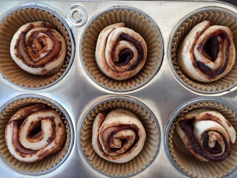 Bacon-Stuffed Cinnamon Rolls in Muffin Pan