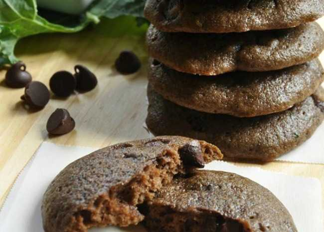 Chocolate Kale Cookies. Photo by laceyworks