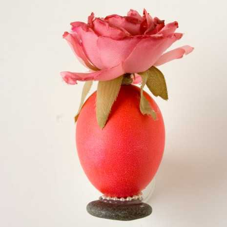 flower-vase-egg-photo-by-allrecipes-465x465
