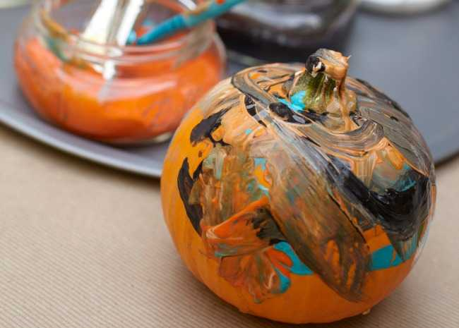 Painting your Halloween pumpkin