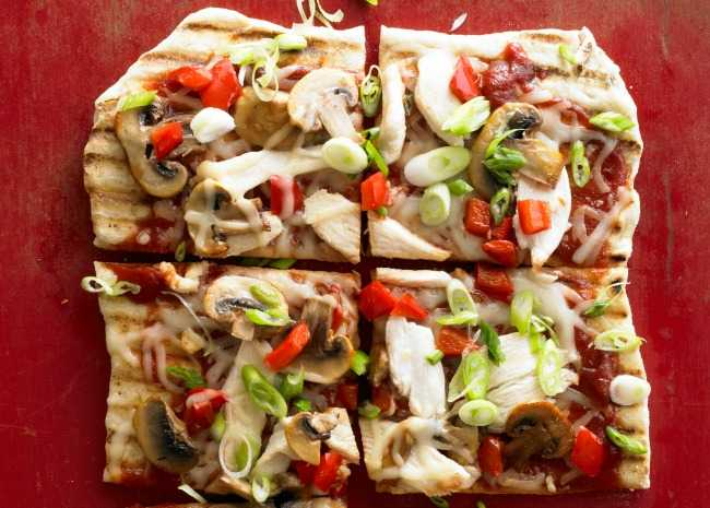 Grilled Pizza with Mushrooms