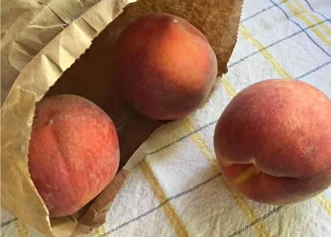 Ripening Peaches in a Bag