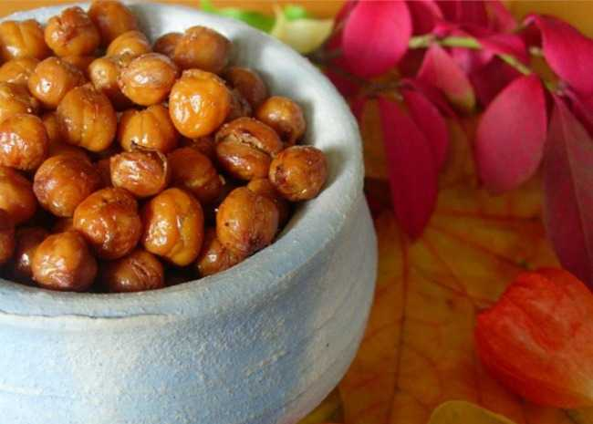 Roasted chickpeas. Photo by larkspur