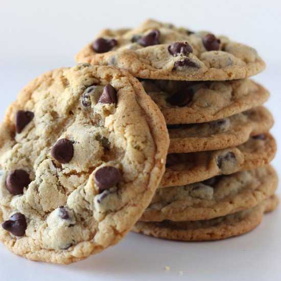 Ultimate-Chocolate-Chip-Cookies-Square-550x550