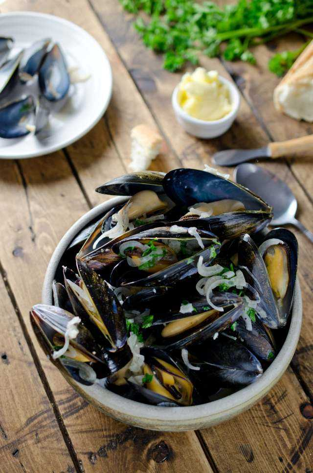 how to make mussels open