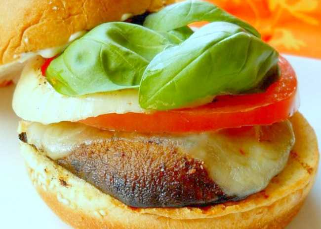editedGrilled Portobello Sandwich with Roasted Red Pepper and Mozzarella
