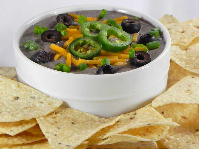 533856_Black-Bean-Spread_Photo-by-Soup-Loving-Nicole.jpg