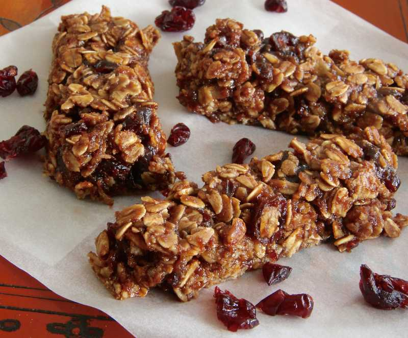 2421949_Healthy-Nutella-Granola-Bars_Photo-by-lutzflcat.jpg