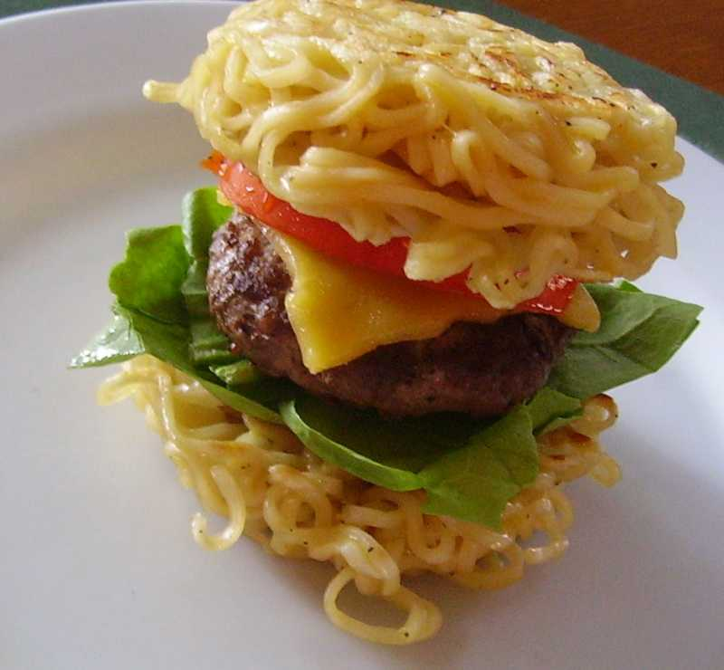 1038666-Ramen-Burger-Photo-by-Christina-e1435776137518.jpg