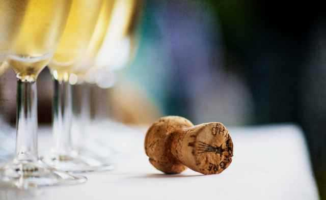 Wine-with-Champage-Cork.jpg