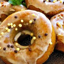 Maple Pumpkin Doughnuts