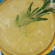spicy lemon ginger switchel mocktail beverage