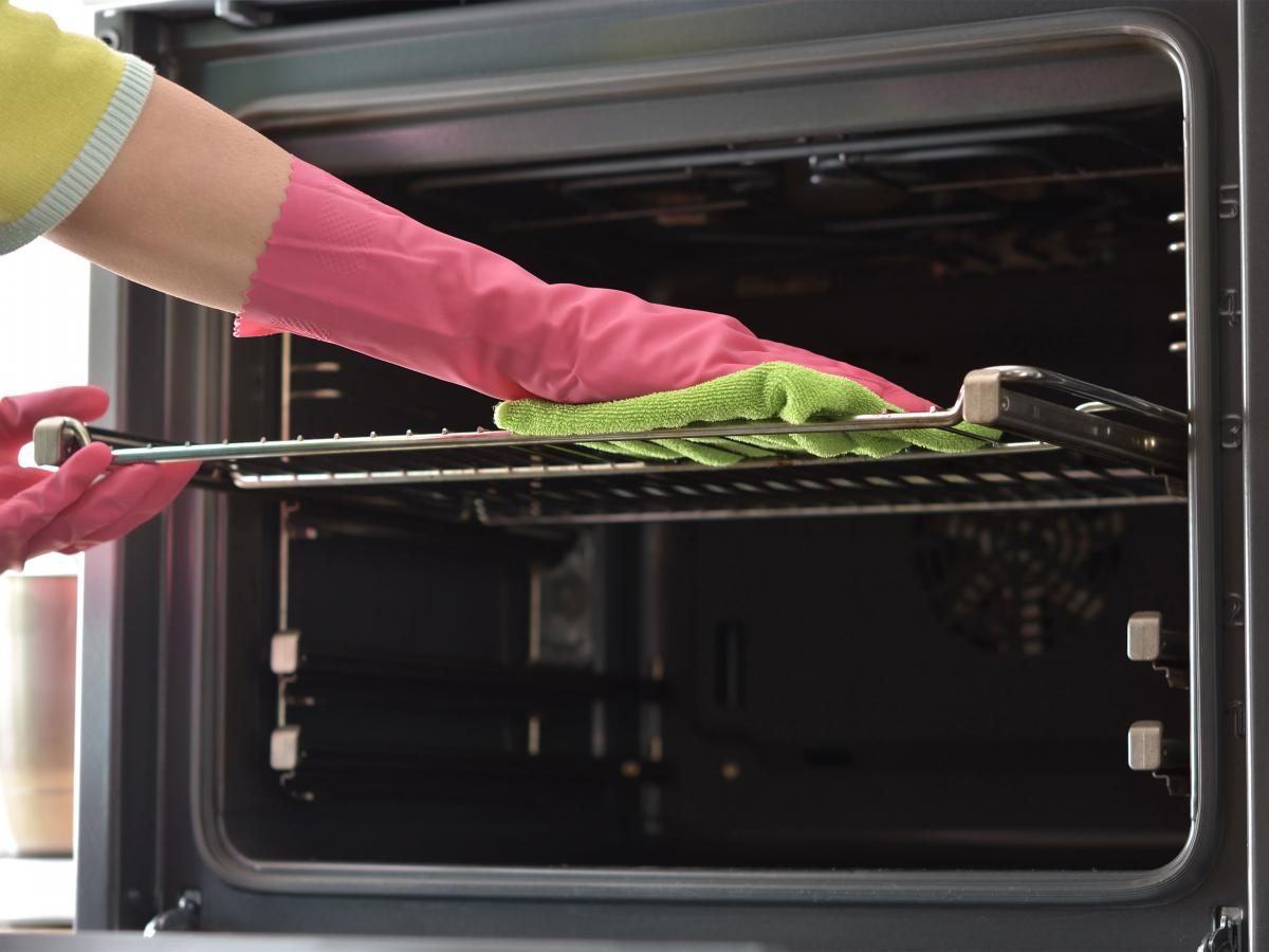 How to Clean Your Oven the Easy Way